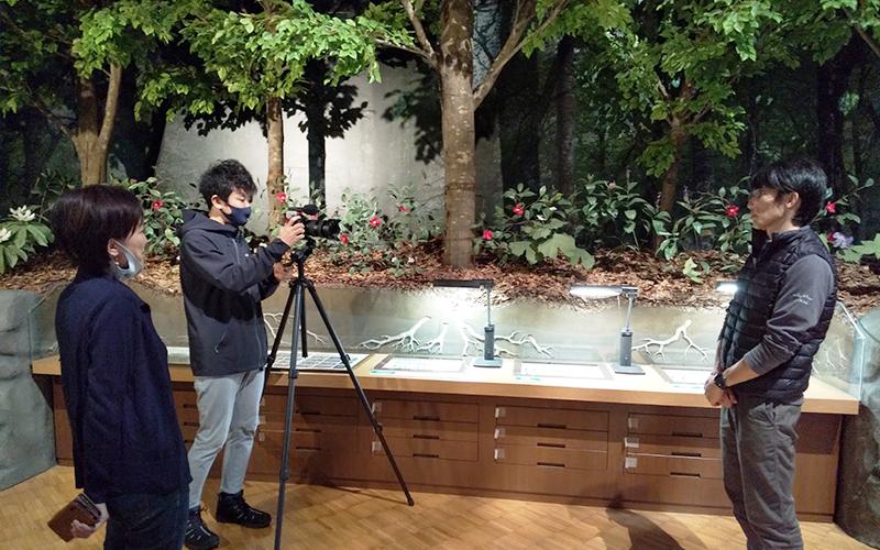 ビデオ動画を撮影している写真